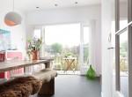 kamer met zicht op balkon